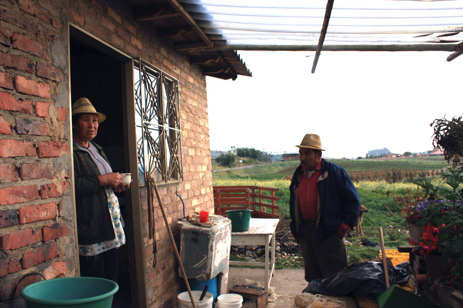 Gloria Otoniel i sitt hus på landet