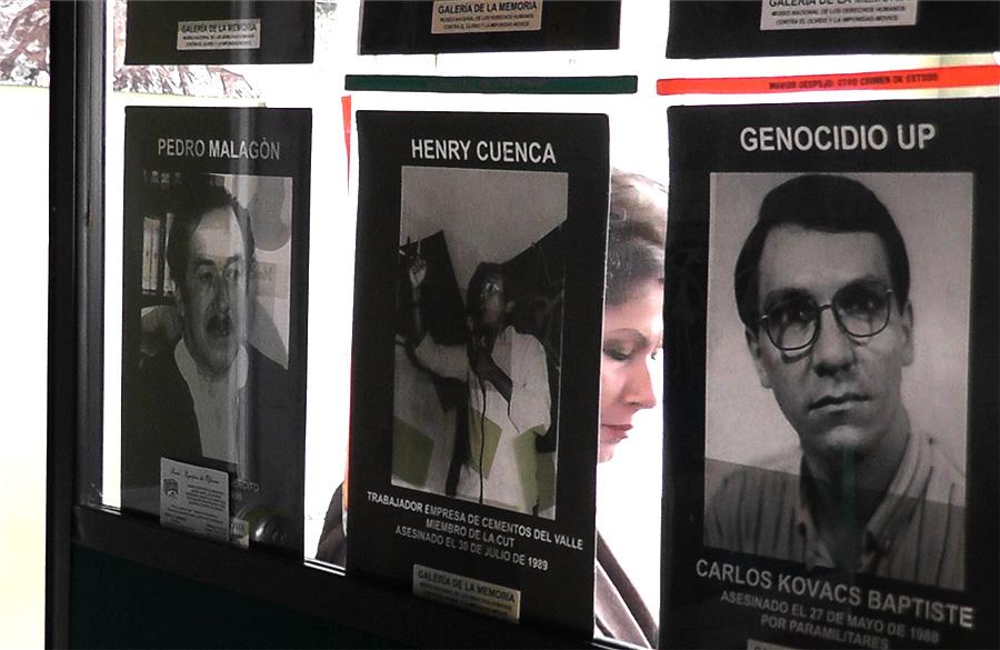 Affischer på mördade politiker
